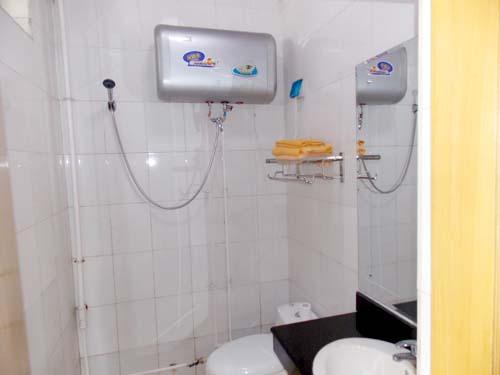 标间卫生间图片